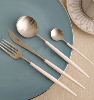 Cutipol | Goa Matte, White Handle | Dinner Fork; Dinner Knife; Table Spoon; Teaspoon | Buy Online | Orpheu Decor