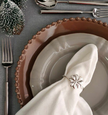 Topázio | Clover Napkin Ring Silver Plated, 2 Units Set - Silver Tableware & Luxury Dinnerware Sets | Buy Online | Orpheu Decor