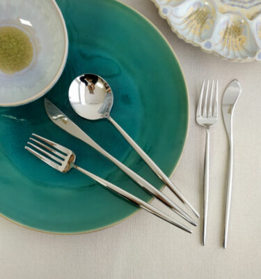 Cutipol | Moon, Polished Steel | Dinner Fork; Dinner Knife; Table Spoon; Fish Fork; Fish Knife | Buy Online | Orpheu Decor