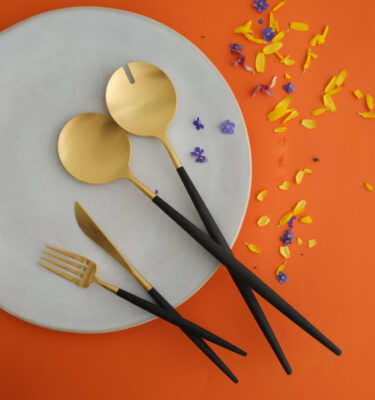 Cutipol | Goa Matte Gold, Black Handle | Dessert Fork; Dessert Knife; Salad Serving Set | BBuy Online | Orpheu Decor