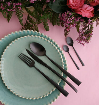 Cutipol | Duna, Matte Black - Dinner Fork; Dinner Knife; Table Spoon; Teaspoon; Coffee Spoon | Buy Online | Orpheu Decor