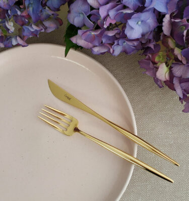Cutipol | Moon Gold - Dessert Fork, Dessert Knife - Buy Online | Orpheu Decor